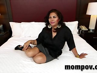 Hot porn in the hotel of a woman over 30 and a young client